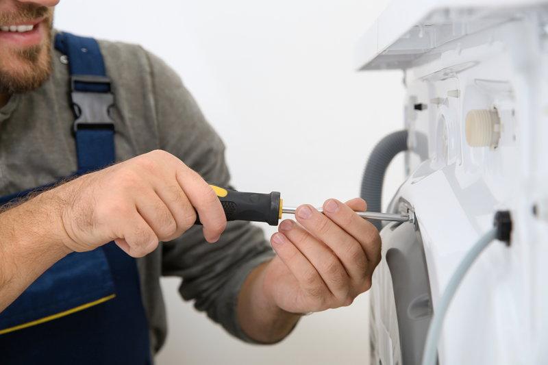 Wasmachine pomp bromt